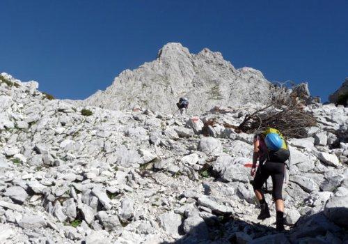 Markierte Zustiegswege zu den Klettergärten